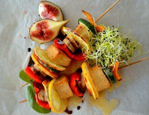 Gemüse-Tofu-Spiess mit Wasabi-Topping